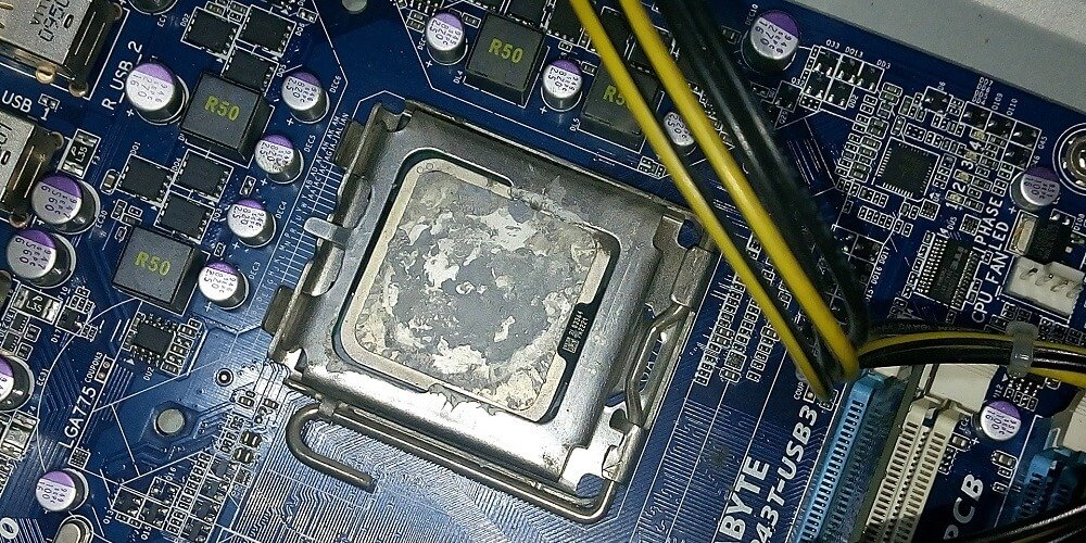 clean thermal paste off your CPU Guide